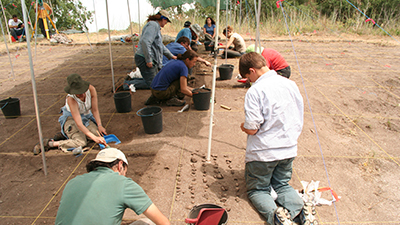 Volunteers excavating muge mesolithic shell mounds