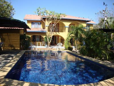 expedition accommodations - villa with swimming pool