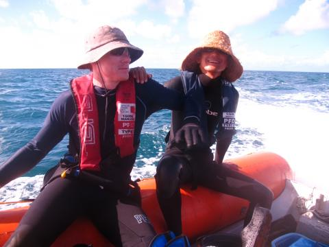 volunteers study the great barrier reef